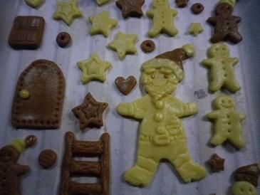 クッキー人形型抜き.jpg