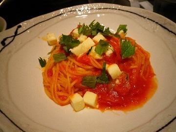 トマト&モッツァレラチーズ スパゲティ.jpg