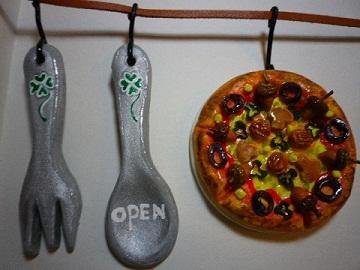 木の実たっぷり~pizza & スプーン・フォーク.jpg
