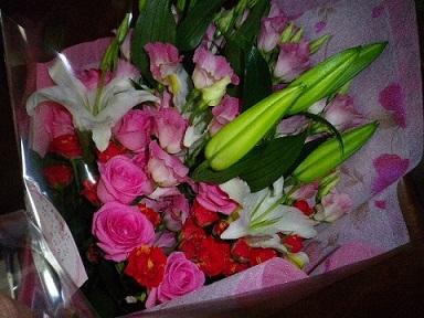 花束のプレゼント・2012年.jpg